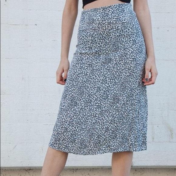brandy melville flowy leopard print Phoebe midi skirt NWT sz S